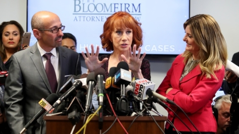 17_0603_Kathy Griffin News Conference